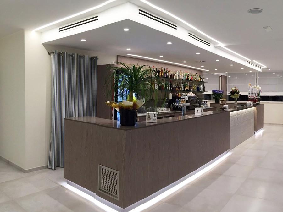 hotel montreal bibione strutture a bibione soggiorni. Black Bedroom Furniture Sets. Home Design Ideas