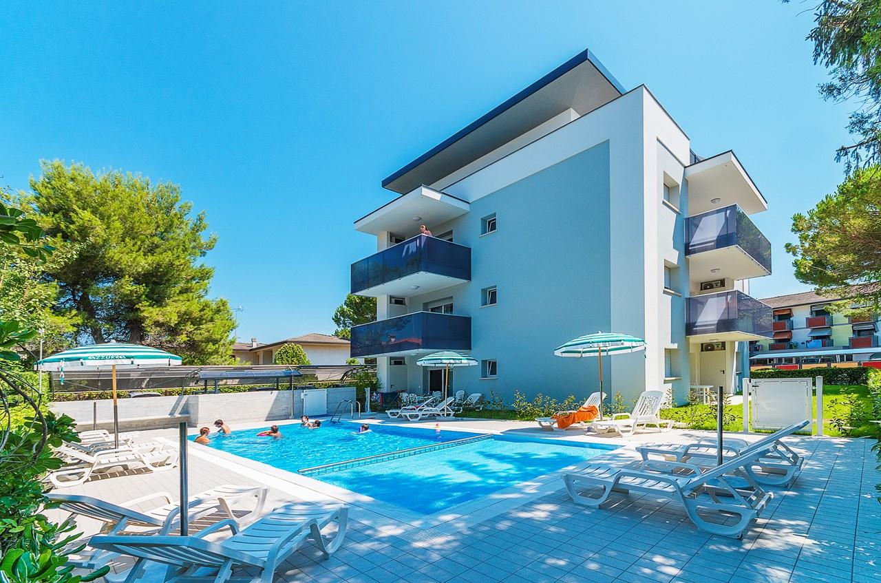 Agenzia Turistica Azzurra (Bibione, Italia) - Estate Agencies - Bibione
