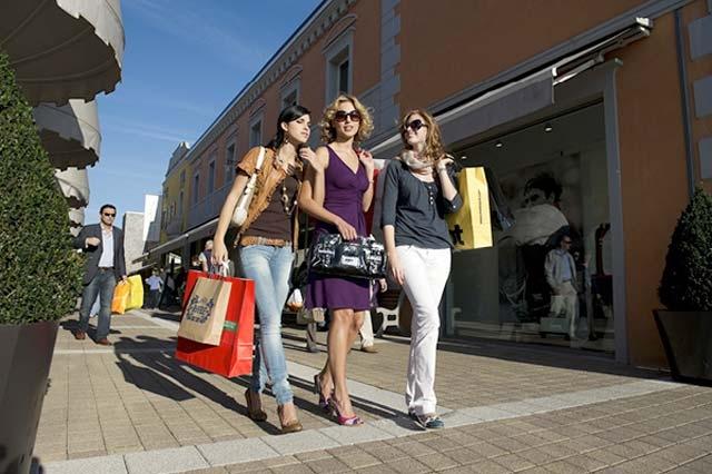 huge discount 167e1 9cbdb Palmanova Outlet Village (Aiello del Friuli, Italia ...