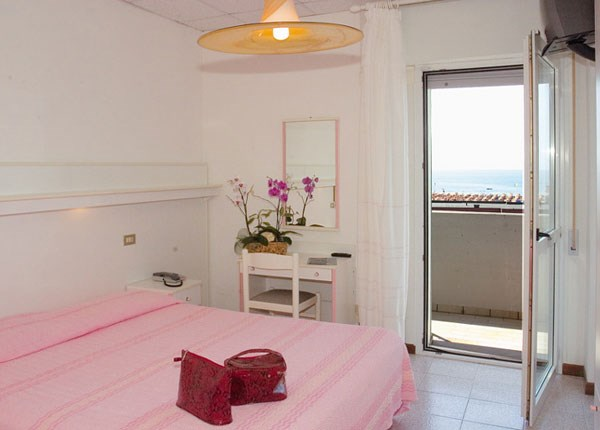 Mini Kühlschrank Für Hotel : Disount hotel selection spanien magaluf sol guadalupe zimmer