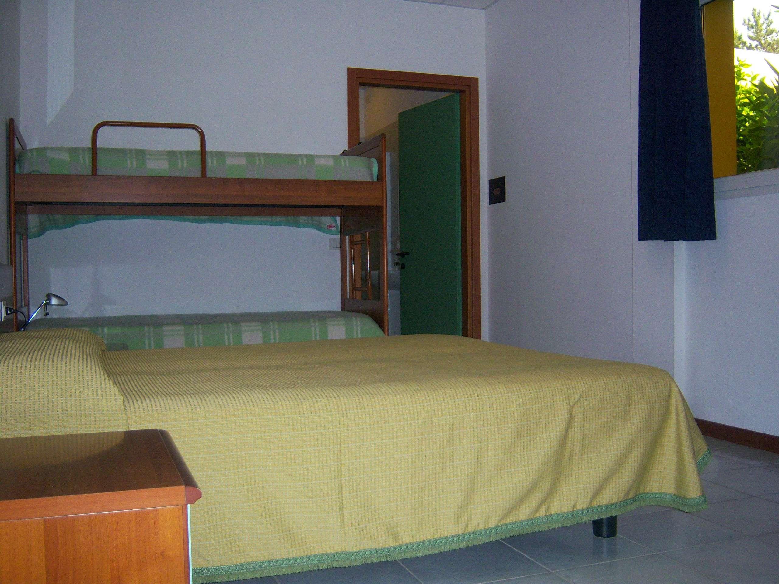 Hotel Alla Terrazza: Four beds room (Bibione, Italia) - Hotel and ...