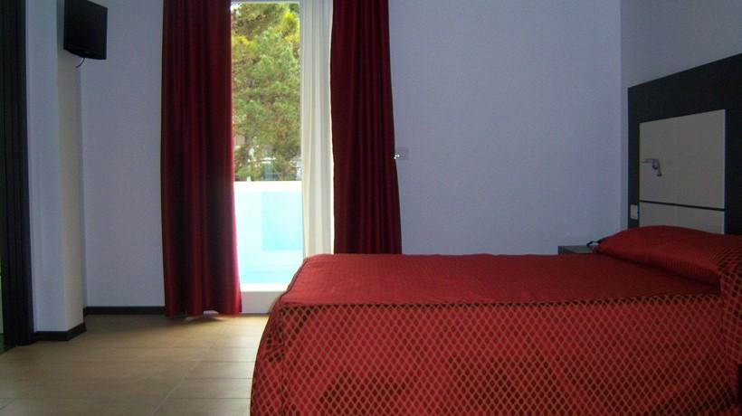 Hotel Alla Terrazza: Three beds room (Bibione, Italia) - Hotel and ...