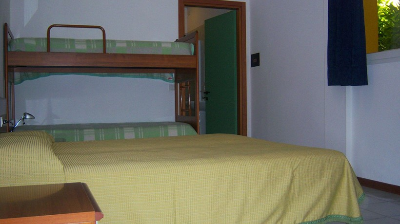 Hotel Alla Terrazza: Camera quadrupla (Bibione, Italia) - Hotel and ...