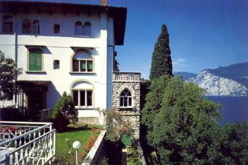 hotel bellevue san lorenzo malcesine malcesine italia hotels und ferienanlagen gardasee. Black Bedroom Furniture Sets. Home Design Ideas